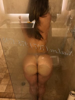 Allia escort in Lancaster California & happy ending massage