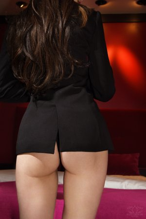 Anne-fleur live escorts & thai massage