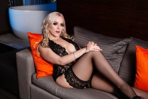 Agnieszka live escort and thai massage